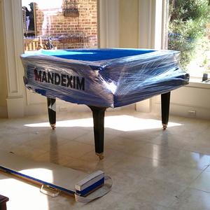 mandexim servicii de mutari pianine bucuresti 300x300